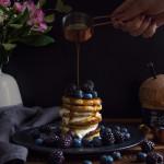 Ovesné lívance sovocem a jogurtem z M&S potravin