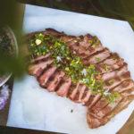 "Flank steak s ""chimichurri"" omáčkou"