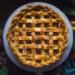 Apple pie spekanovými ořechy a karamelem z M&S potravin