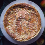Hruškový koláč sořechovou náplní